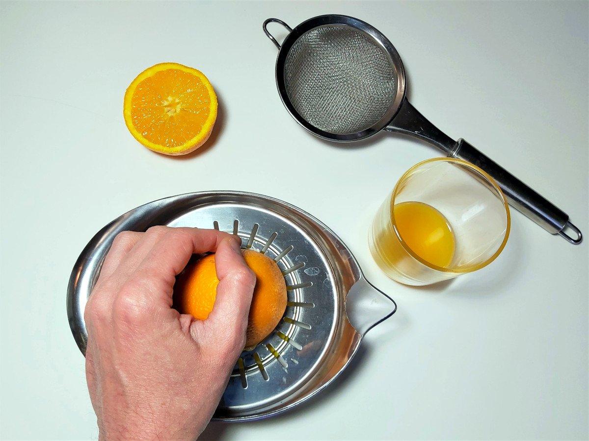 krem pomarańczowy wyciskanie pomarańczy