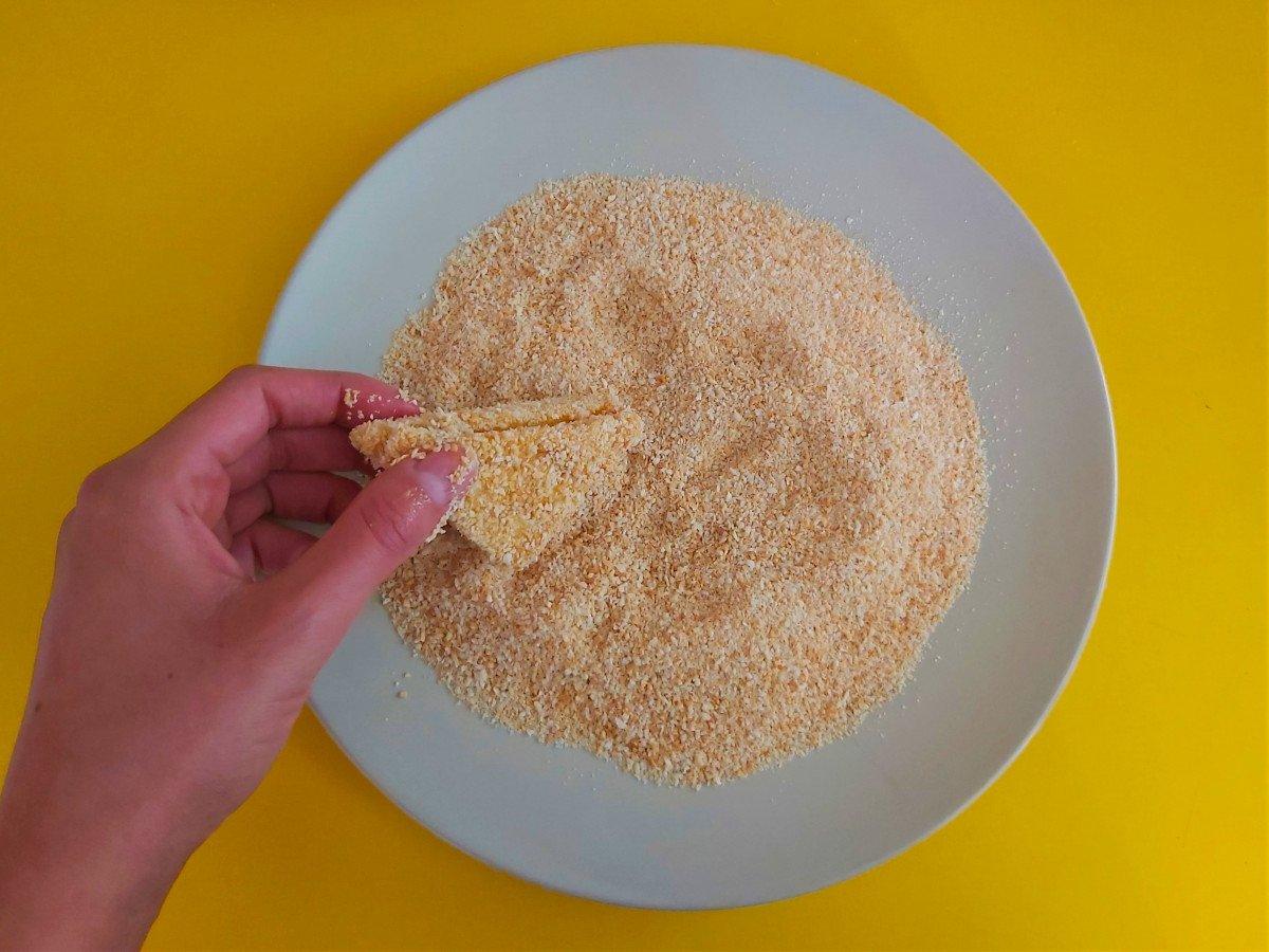 mozzarella in carrozza panierowanie w bółce tartej