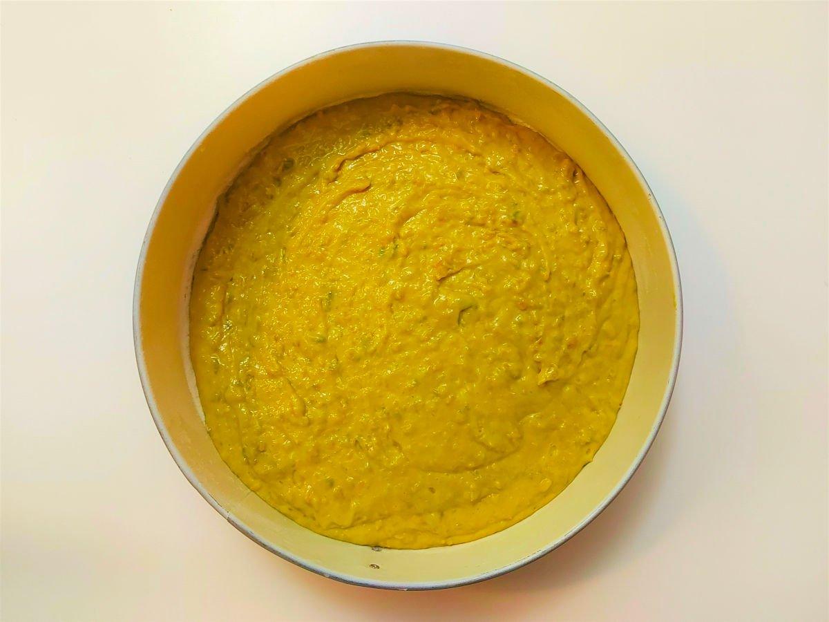 ciasto dyniowe przelewanie masy do tortownicy