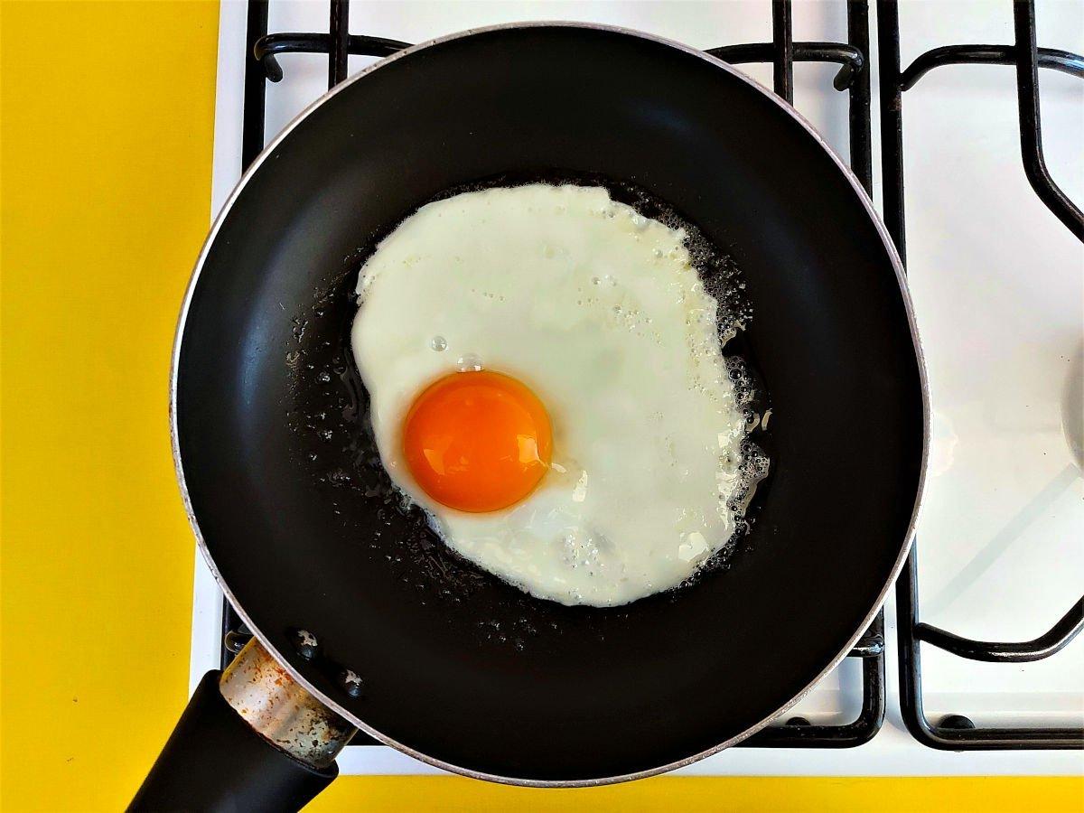 szparagi po mediolańsku smażenie jajek